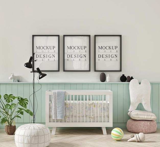 Pokój dziecięcy w pastelowych kolorach z makietą plakatu w ramce