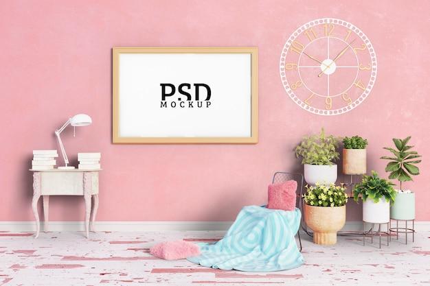Pokój ma różowe tonacje i ramki