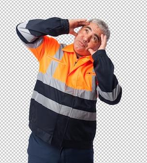 Portret smutnego pracownika zmęczonego swoją pracą