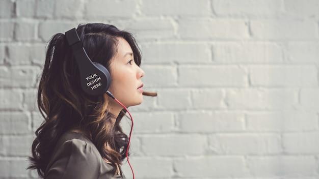 Powierzchnia skorupy słuchawek