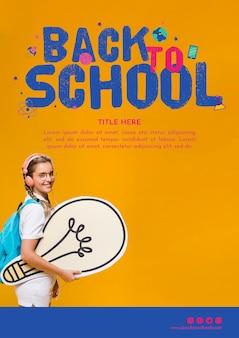 Powrót do szablonu szkoły z uśmiechniętą dziewczyną nastolatka