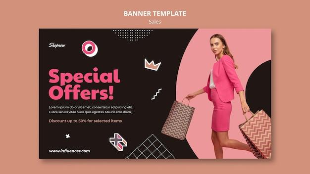 Poziomy baner szablon sprzedaży z kobietą w różowym garniturze
