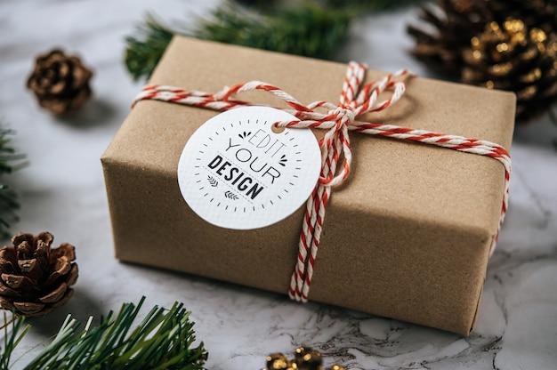 Prezent świąteczny tag