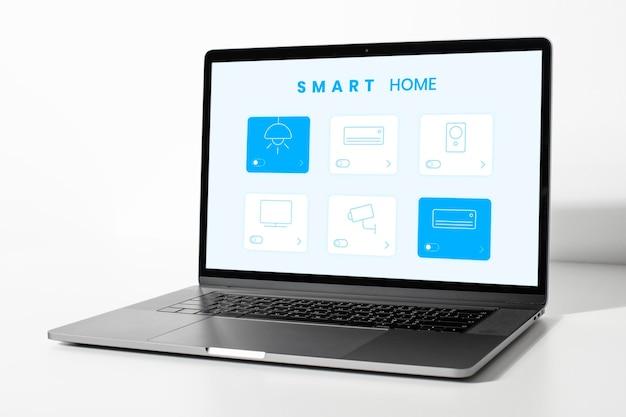Projekt makieta ekranu laptopa na białym tle