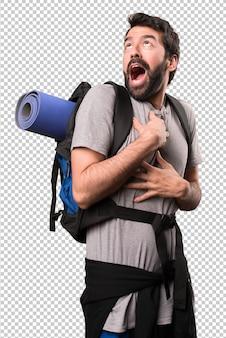 Przystojny backpacker w miłości