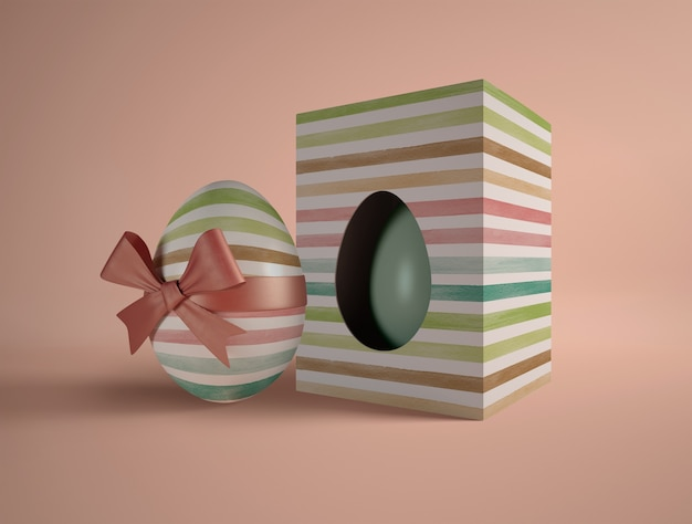 Pudełko kątowe owinięte jajkiem