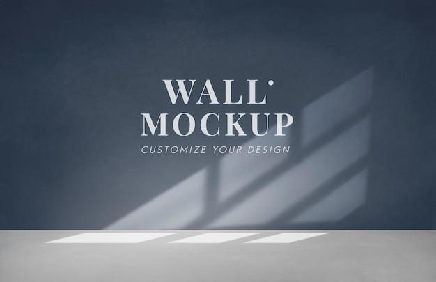 Pusty pokój z ciemnoszarą makietą ściany