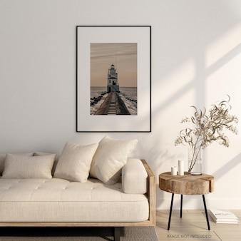 Rama plakatowa w salonie z makietą sofy