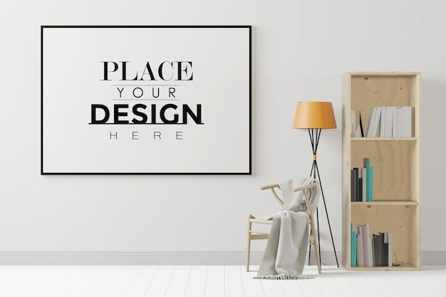 Ramka plakatowa w salonie z regałem i krzesłem