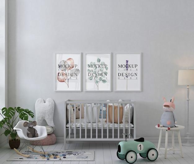 Ramki plakatowe makiety w białym prostym pokoju dziecięcym