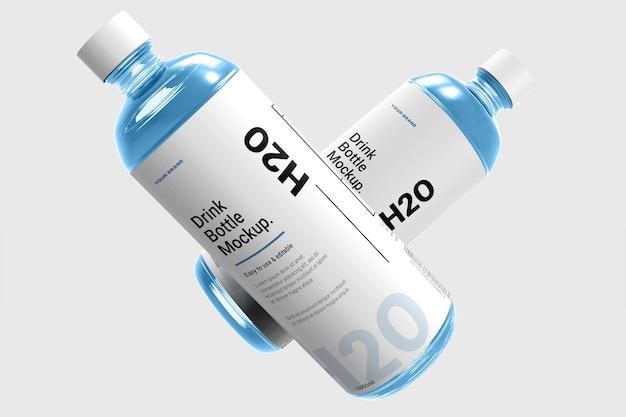 Realistyczna butelka wody makieta na białym tle