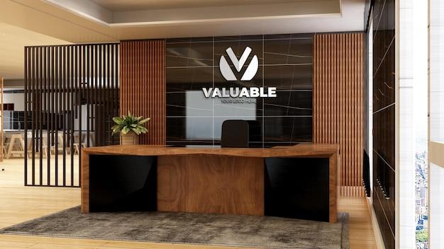 Realistyczna makieta logo firmy 3d w drewnianym pokoju biurowym recepcjonistka luksusowy wystrój wnętrz