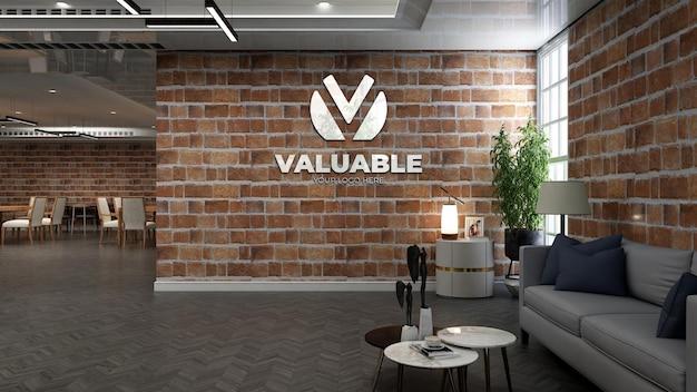 Realistyczna makieta logo kawiarni w kawiarni lub restauracji z ceglaną ścianą