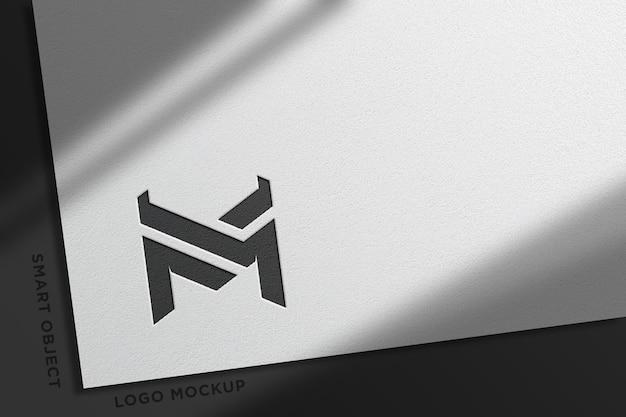 Realistyczna makieta logo z białym papierem-6
