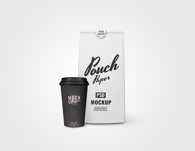 Realistyczne makiety białej torebki i czarnego kubka