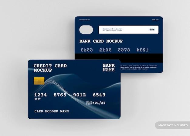 Realistyczny projekt makiety karty kredytowej na białym tle