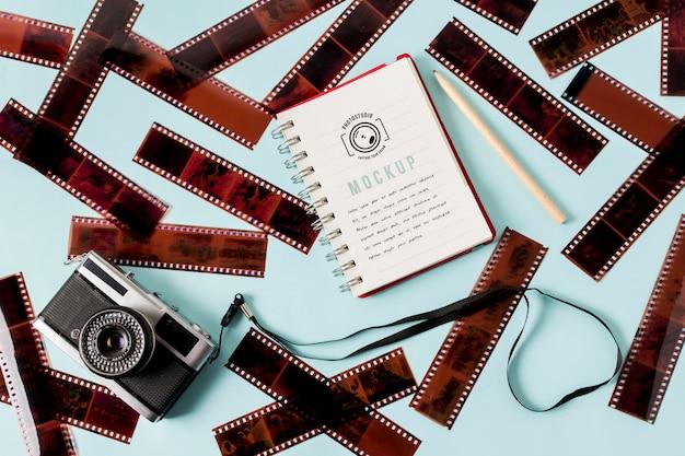 Rolki filmu kinowego z notatnikiem