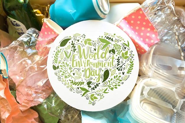Round papierowy mockup z światowym środowisko dnia pojęciem