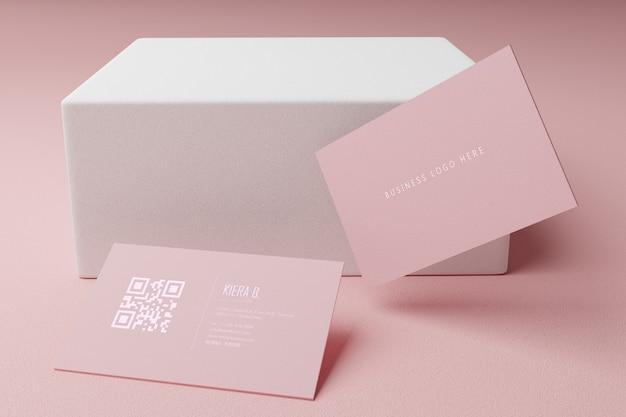 Różowy papier makieta wizytówki szablon z pustą okładką