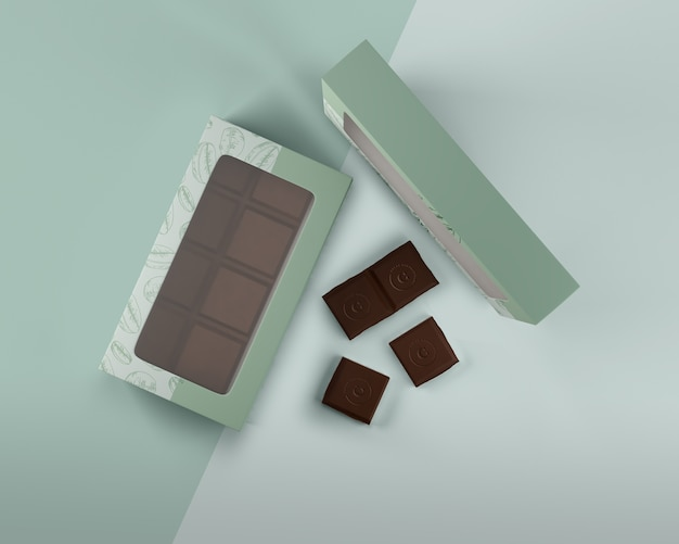 Schludne pudełko z czekoladowym wzorem