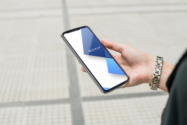 Smartfon z internetowym szablonem internetowym
