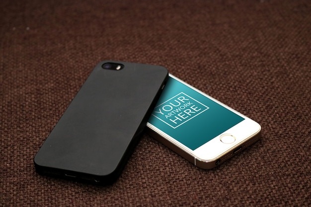 Smartphone z zielonym ekranem