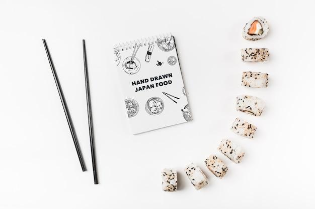 Spirala notatnik makieta z japońskim makieta żywności