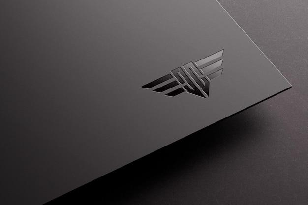 Spot makieta logo uv na ciemnym papierze