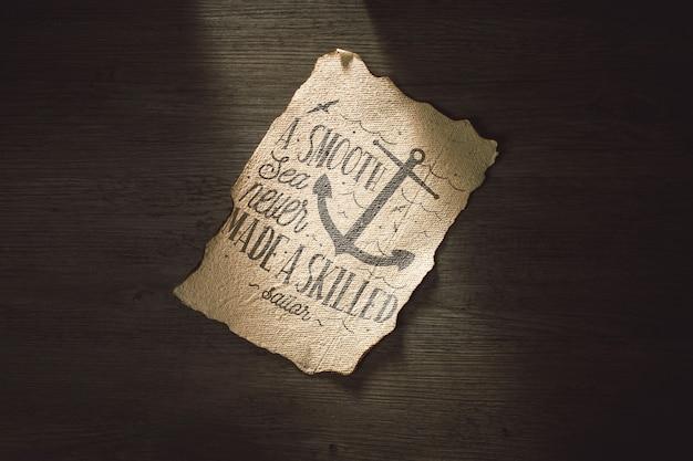 Stary papierowy mockup dla przygody pojęcia