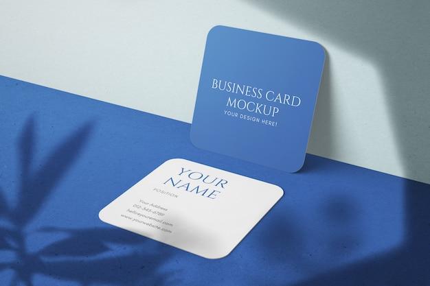 Stylowe makiety korporacyjnych, edytowalnych wizytówek o kwadratowych rozmiarach