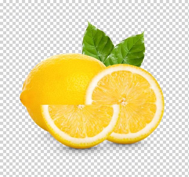 Świeża cytryna z zielonymi liśćmi na białym tle