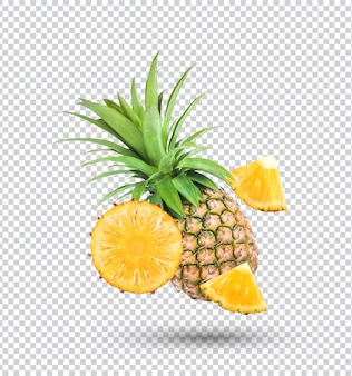 Świeży ananas na białym tle