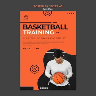 Szablon koszykówki szkolenia i człowiek ulotki
