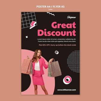 Szablon plakatu do sprzedaży z kobietą w różowym garniturze