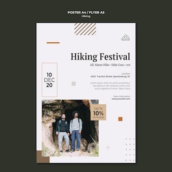 Szablon plakatu do uprawiania turystyki pieszej w przyrodzie