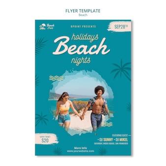 Szablon ulotki wakacje na plaży