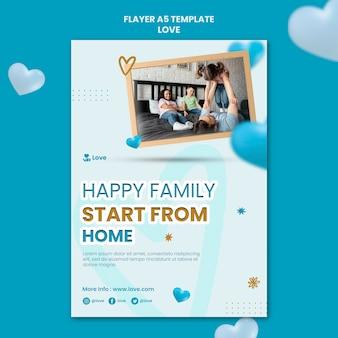 Szczęśliwa rodzina w domu szablon ulotki