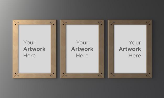 Trzy drewniane puste ramki na zdjęcia makieta