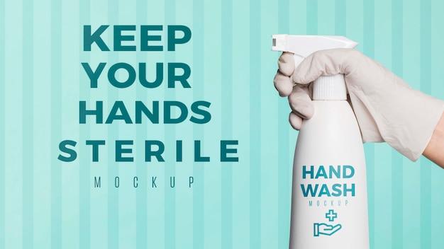 Trzymaj ręce w sterylnej makiecie