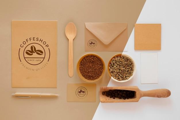 Układ elementów marki kawy widok z góry