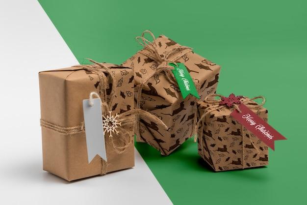 Układ pudełek na prezenty świąteczne