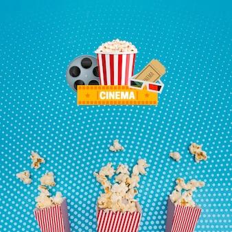 Układ torebek papierowych z popcornem