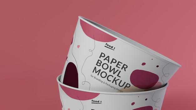 Układanie makiety papierowej miski z bliska