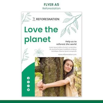 Ulotka z szablonem reklamy ponownego zalesiania