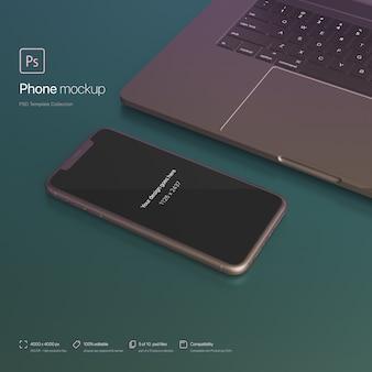 Ustawienie telefonu obok laptopa w makrze sceny abstrakcyjnej