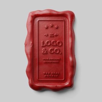 Vintage old school tłoczenie pionowy prostokąt czerwona świeca woskowa pieczęć tłoczona makieta