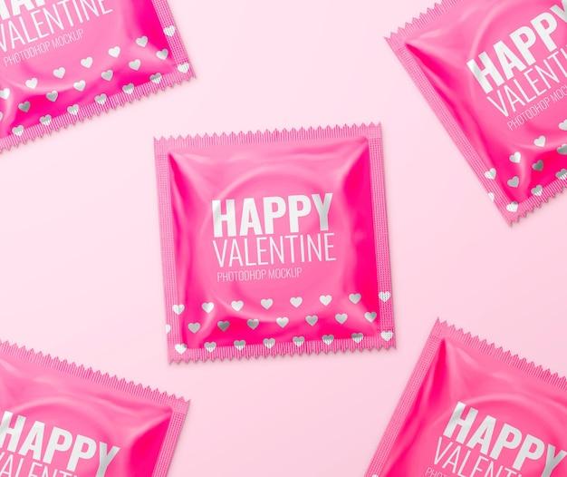 Walentynki makieta saszetki z prezerwatywą