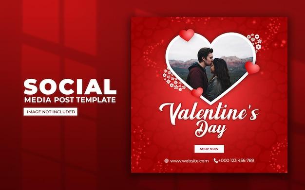 Walentynki w mediach społecznościowych i szablon postu na instagramie
