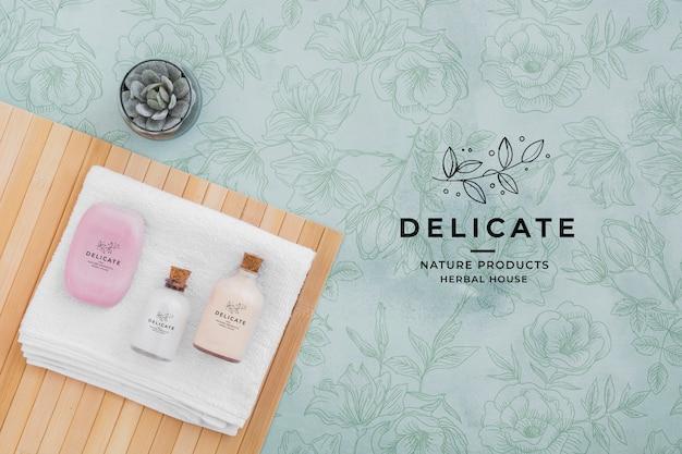 Widok z góry koncepcja kąpieli z zestawem kosmetyków