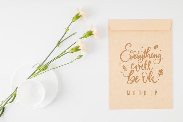 Widok z góry kwiatowy makiety pozytywny cytat